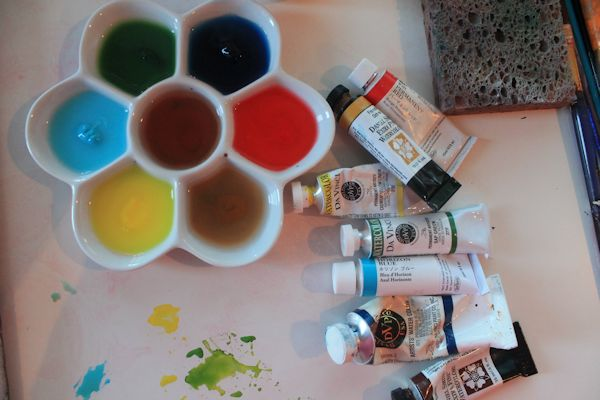watercolor painting palette to paint watercolor trees