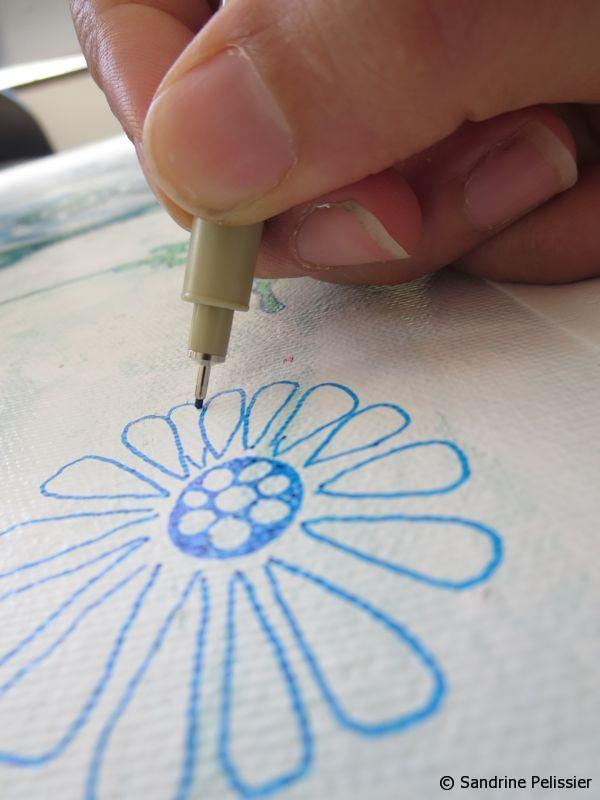 draw a flower with markers on canvas