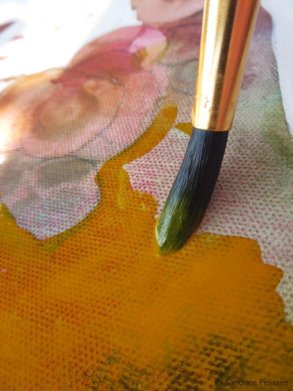 Painting the vase with yellow fluid Acrylic