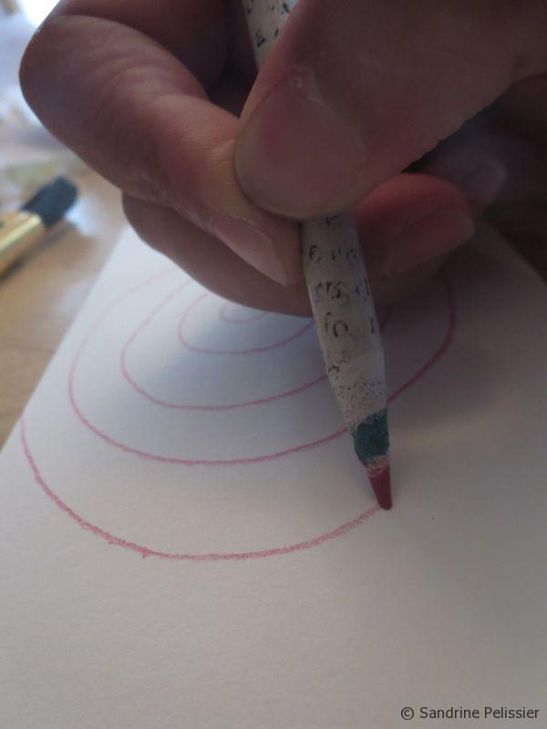 drawing simple concentric circles with colored pencils