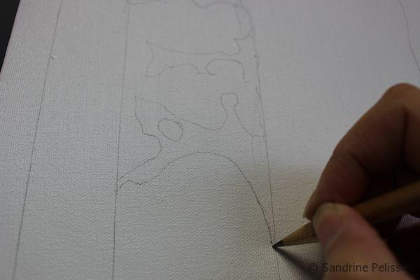When drawing, pay attention to the areas when lines are crossing.