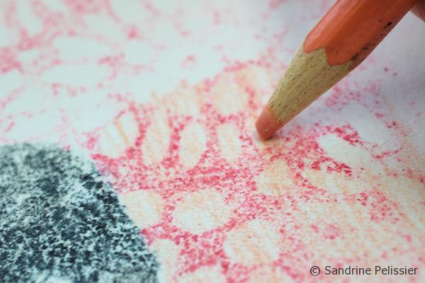 You can also decide to add more colors. Here I am adding a lighter pink on top of the pink patterns.